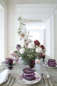 Stunning Realistic Porcelain Flowers By Vladimir Kanevsky http://designwrld.com/porcelain-flowers-vladimir-kanevsky/