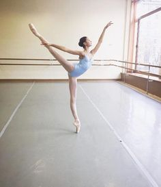 elegant ballet Elizaveta Chertikhina, Bolshoi Ballet Academy student
