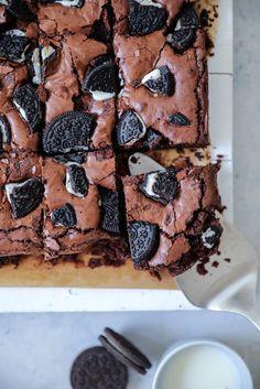 einfaches leckeres Oreo Brownies Rezept foodblog backblog kuchenblog zucker zimt und liebe beste brownies recipe baking backen schokoladenkuchen