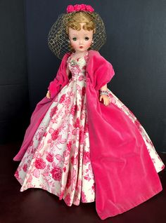 Glamour Dolls, Madame Alexander Dolls, Holly Hobbie, Doll Costume, Creepy Dolls, Old Dolls, Collector Dolls, Fashion Vintage, Vintage Dolls