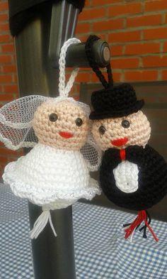 bruidspaar (patroon: gelukspoppetjes haken - Annemarie Arts)