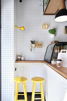 37 Astonishing Pegboard Design Ideas For All Your Needs To Try Asap - Pegboard is a great material for keeping tools, accessories, gadgets and other supplies handy and well-organized. Because you can customize a pegboard. Coffee Shop Design, Cafe Design, Interior Design, Cafe Shop, Stylish Kitchen, Cuisines Design, Restaurant Design, Yellow Restaurant, Design Hotel