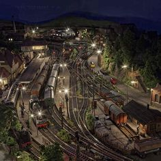 For some people, collecting toy trains isn't just another hobby or interest; The concept of collecting toy trains has been around for centuries. Nearly everyone has some type of connection to toy trains, whether it N Scale Model Trains, Model Train Layouts, Scale Models, Train Ho, Escala Ho, Train Miniature, Hobby Trains, Real Model, Railroad Tracks