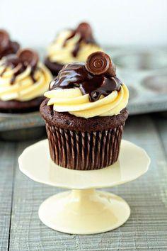 Entre ollas, cazuelas y estufones  Receta base para cupcakes.