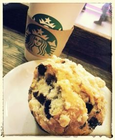 Chai tea latte and blueberry muffin Tea Latte, Blue Berry Muffins, Chai, Budapest, Blueberry, Ethnic Recipes, Food, Blueberry Crumb Muffins, Meal