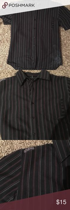 🖤Billabong Black/white/red Pinstripe Shirt🖤 Please see pic for details! Very thin stripes of red and white on back with small logo on upper shoulder and behind neck and small design on bottom right corner. No stains or signs of wear, smoke free home. Tapered fit size M Billabong Shirts Casual Button Down Shirts