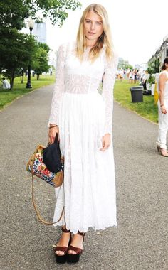 SHOES (Hemingway in Dolce & Gabbana) White Fashion, Urban Fashion, Street Chic, Street Style, Dree Hemingway, Classy And Fabulous, Beautiful Gowns, Pretty Outfits, Boho Chic