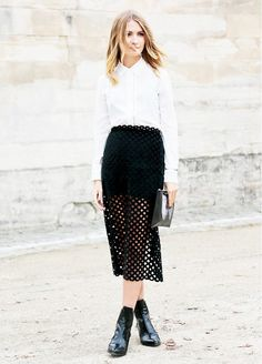 Black Ankle Boats Outfit Skirt Minimal Chic 28 Ideas For 2019 Street Style Chic, Street Style Outfits, Minimal Chic, Black Ankle Boots Outfit, Black Boots, Looks Party, Winter Typ, Inspiration Mode, White Fashion