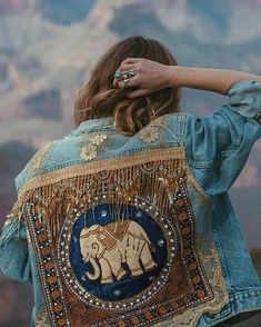 Made to Order Embellished Elephant Jacket in Royal Blue image 2 Hippie Style, Mode Hippie, Look Fashion, Diy Fashion, Ideias Fashion, Ladies Fashion, Fashion Usa, Fashion Outfits, Jean Jacket Outfits