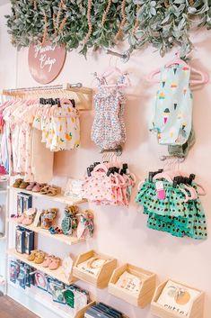 Boutique Interior Design, Boutique Decor, Mobile Boutique, Boutique Store Design, Boutique Displays, Retail Boutique, Boutique Stores, Small Boutique Ideas, Mini Boutique