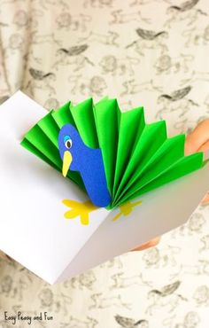 Cute Paper Peacock Pop Up Card Craft Idea for Kids to Make<br> Crafts For Kids To Make, Diy Arts And Crafts, Cute Crafts, Easy Crafts, Art For Kids, Paper Crafts, Foam Crafts, Pop Up Karten, Paper Pop