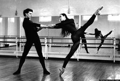 Ballet dancers Laurent Hilaire and Sylvie Guillem rehearsing at the Royal Ballet School, Britain circa 1992. (Photo by Michael Ward/Getty Images)