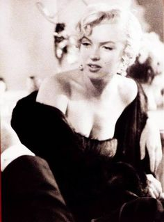 Fans of Marilyn Monroe