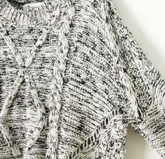 Grey Long Sleeve Cable Knit Dipped Hem Sweater - abaday.com
