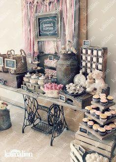 Trendy Wedding Decoracion Vintage Candy Bars Ideas - Clara Wish Rustic Candy Bar, Vintage Candy Bars, Dessert Bar Wedding, Wedding Desserts, Wedding Candy Buffet, Dessert Buffet, Dessert Bars, Bonbons Vintage, Candy Bar Decoracion
