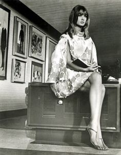 Jean Shrimpton,1967. (Note the sandals... still in vogue.)