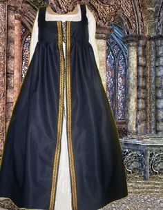 Hey, I found this really awesome Etsy listing at https://www.etsy.com/listing/125717228/renaissance-overgown-medieval-sca-garb