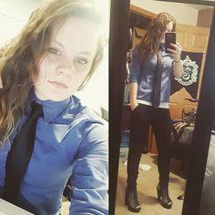 I forgot how much I love ties ❤️👔 #buttondownshirt #ties #girlswholikegirls #heels #joggerpants #girlinatie
