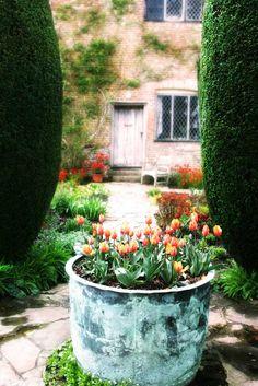 Pomysły do ogrodu z Sissinghurst.  Sielski Dom i Ogrod
