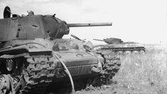 Destroyed tanks KV-1 and T-34 / Zniszczone czołgi KW-1 i T-34