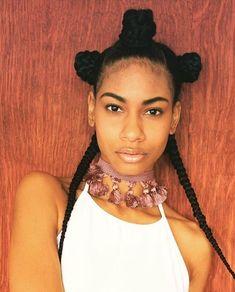 woahhh we love this unique combo of bantu knots & braids! @drizzythekitty…
