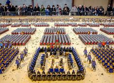 This exhibition was build by Jean-Michel Leuillier to beat the world record of the biggest Playmobil diorama