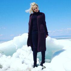 В Байкальске ещё много снега и много цветущих одуванчиков. Необычное сочетание! by chebuninaelena