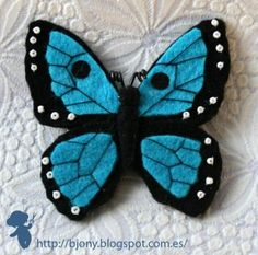 Butterfly - Picture onlyButterfly Brooch - Romans Be TransformedNo instructions, just an idea. What a beautiful butterfly!Butterfly could use as a pattern for paper piecingWould be a cute hair accessory. Butterfly Felt, Butterfly Ornaments, Felt Butterfly Pattern, Felt Embroidery, Felt Applique, Felt Diy, Felt Crafts, Felt Birds, Felt Decorations