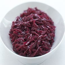Traditional Braised Red Cabbage with Apples