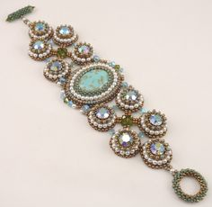A blog about designing jewelry with beads.