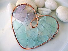 Purple and Aqua Sea glass Heart by jetsamdesigns ༺♥༻ Sea Glass Crafts, Sea Glass Art, Sea Glass Jewelry, Wire Jewelry, Jewellery, Glass Necklace, Wire Crafts, Jewelry Crafts, Cadeau Parents