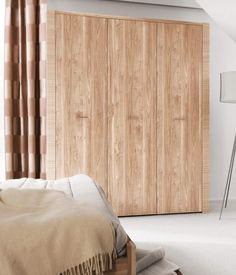 Moderne licht eiken kledingkast met deuren