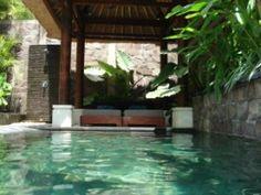 Luxury Pool and Bale