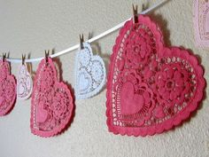 DIY doily heart garland, Valentine's Day | TheMombot.com