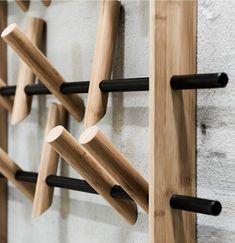 Knagerække i bæredygtigt bambus, Coat Frame Diy Hat Rack, Wall Hat Racks, Wall Hanger, Hat Storage, Ball Cap Storage, Rack Design, Shoe Rack With Shelf, Shoe Racks, Wooden Diy
