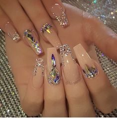 Nail art Christmas - the festive spirit on the nails. Over 70 creative ideas and tutorials - My Nails Bling Acrylic Nails, Summer Acrylic Nails, Glam Nails, Best Acrylic Nails, Rhinestone Nails, Fancy Nails, Bling Nails, Cute Nails, Stiletto Nails Glitter