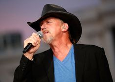 Top 10 Hottest Men in Country Music: Trace Adkins Country Music Playlist, Country Music Bands, Country Music Lyrics, Country Music Videos, Country Music Artists, Country Music Stars, Country Songs, Top 10 Hottest Guys, Male Country Singers