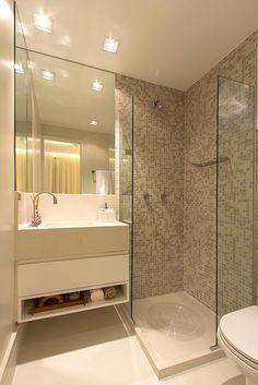 Banheiro da suite do apartamento de 3 dormitórios do HomeClub Guarulhos