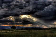 sunrays_CO_580 - Western Colorado. Photo credit: Allen Lefever