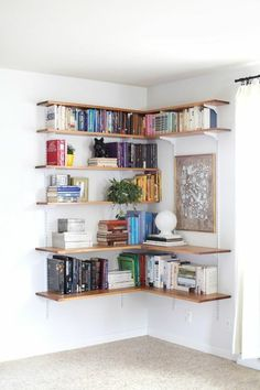 Best diy shelves Bookshelf Ideas for Creative Decorating Projects Tags: bookshelf decorating ideas bookshelf ideas diy bookshelf ideas for small rooms homemade bookshelf ideas bookshelf design images Modern Floating Shelves, Floating Shelves Bedroom, Floating Shelves Kitchen, Floating Wall, Glass Shelves, Corner Bookshelves, Bookshelves In Bedroom, Corner Shelves Living Room, Best Bookshelves