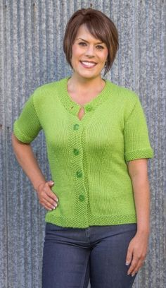 Getting bore? Take out your yarn and needle and start knitting. Knit this beautiful top pattern and look beautiful! Knitting Blogs, Knitting Patterns, Crochet Patterns, How To Start Knitting, Short Sleeve Cardigan, Knit Sweater Dress, Top Pattern, Sleeve Pattern, Clothes Crafts