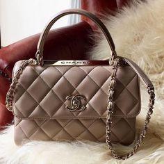50c88a513d33 Chanel Handbags, Purses And Handbags, Beautiful Bags, Backpack Purse, Purse  Wallet, Luxury Bags, Luxury Handbags, Bag Accessories, Cute Bags