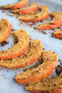 Baked pumpkin with cashew breading vegan - Ms. Janik - Pumpkin in the oven with cashew breading - Easy Healthy Recipes, Raw Food Recipes, Veggie Recipes, Beef Recipes, Appetizer Recipes, Snack Recipes, Squash In Oven, Baked Squash, Raw Vegetable Salad