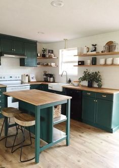 Com teal kitchen cabinets, green kitchen countertops, pain Apartment Kitchen, Home Decor Kitchen, Kitchen Living, Kitchen Interior, New Kitchen, Kitchen Grey, Kitchen Wood, Kitchen Corner, Kitchen Colors