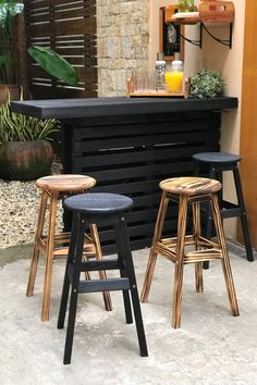 19 ideas for home bar pallet Diy Home Bar, Decor, Home Diy, Diy Outdoor Bar, Pallet Bar Diy, Pallet Diy, Pallet Furniture Outdoor, Home Decor, Diy Woodworking