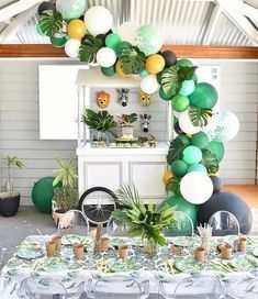 "1,006 Likes, 21 Comments - Jenne Alonso (@poshlittlecakes) on Instagram: ""What a beautiful ""welcome to the jungle"" baby boy's first birthday party created by @wecreate_perth…"""