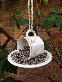 Vogelvoer kop en schotel