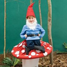 Gnome on a Toadstool Costume. Pokadot fabric around a hoolahoop and white fabric to cover your legs. So cute.