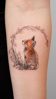 super cute fox tattoo © tattoo artist Deborah Genchi Regardless of what tattoo style you're looking for, Deborah Genchi will have you covered. You'll fall in love with her incredibly versatile tattoos. Tattoo Style, Tattoo On, Body Art Tattoos, Small Tattoos, Tatoos, Magic Tattoo, Small Fox Tattoo, Mini Tattoos, Red Fox Tattoos