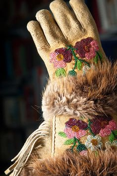 Experience Fort Chipewyan | Fort McMurray Tourism Native American Regalia, Native American Beadwork, Canadian Clothing, Cultural Crafts, Fort Mcmurray, Beaded Moccasins, Beadwork Designs, Native Design, Native Beadwork